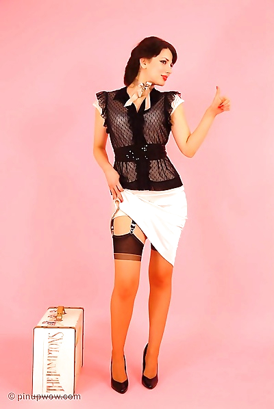Pinup beauty in stockings -..