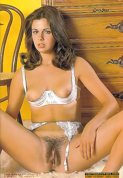 Naked hairy ladies from sixties and seventies - part 850