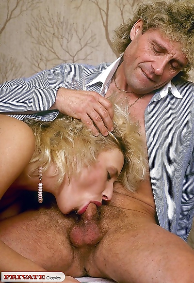 Blonde classic hairy pussy -..