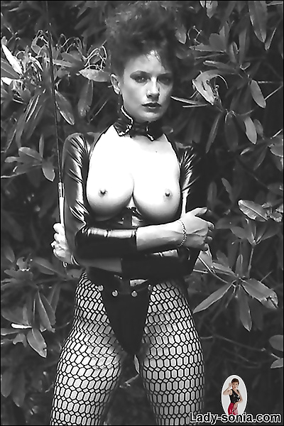 Vintage leggy latex mistress..