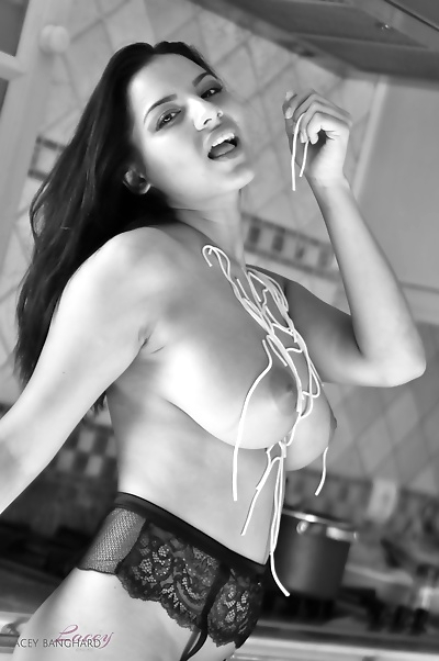 Hottest babe in mini playing..