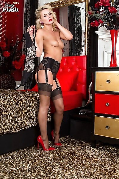 Vanessa scott plays in stockings on the bed - part 130