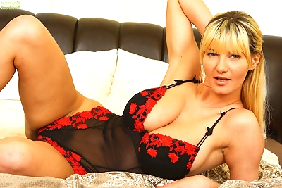 Busty mature babe vanessa lovely toying her very hairy older pussy - part 2367