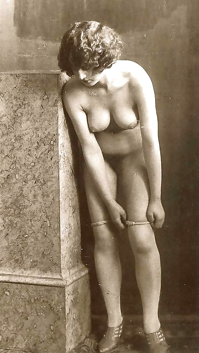 Pretty classic ladies posing naked in sixties - part 1509